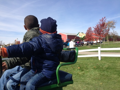 Oohhh... we wanna go on the wagon ride, too!